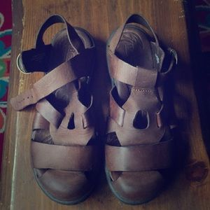 Born brown leather closed toe sandals. Size 7/38